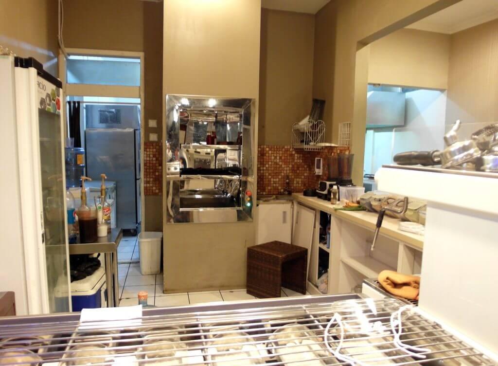 Dapur pengolahan bagian depan (Coffe n' Friends)