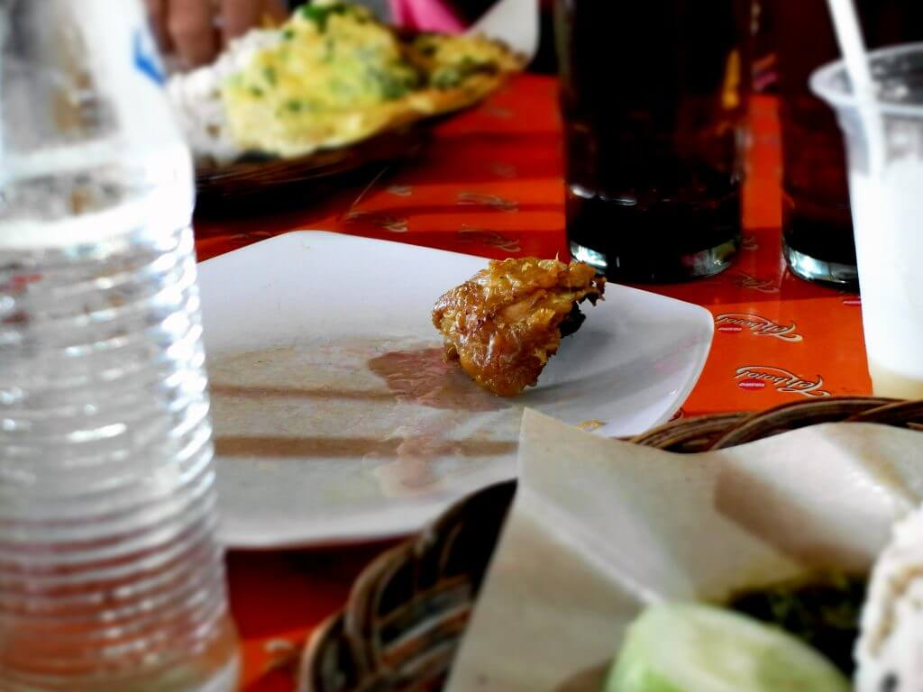Nasi tutug oncom Mr. Rahmat Tasikmalaya - menu ayam goreng