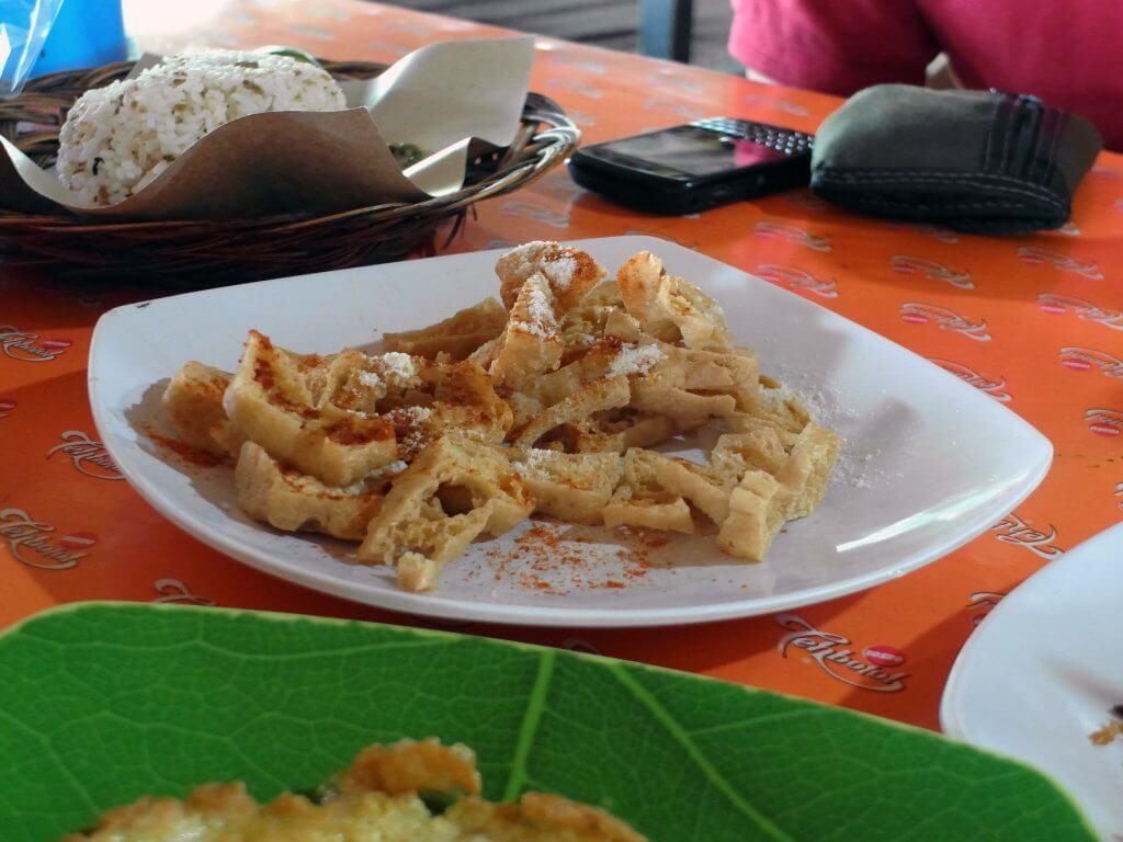Nasi tutug oncom Mr. Rahmat Tasikmalaya - menu tahu krispi