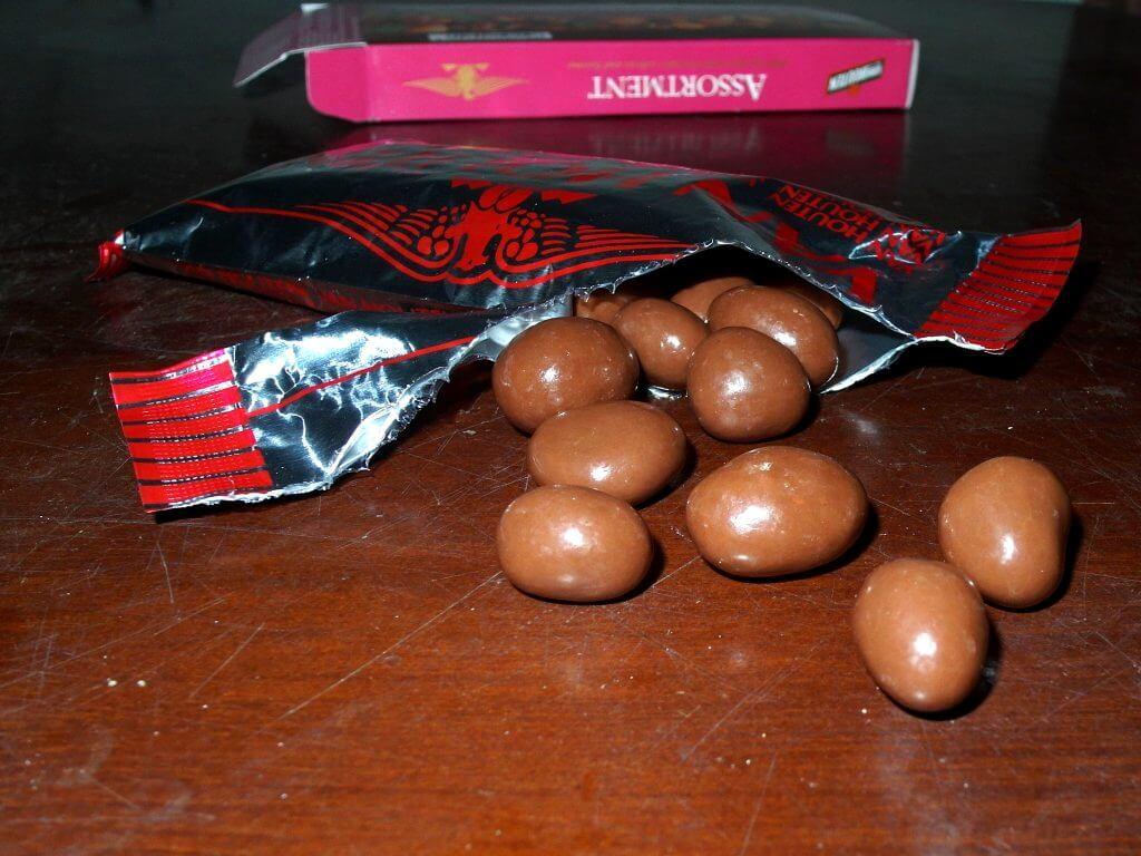 Van Houten Assortment Chocolate - butiran coklat